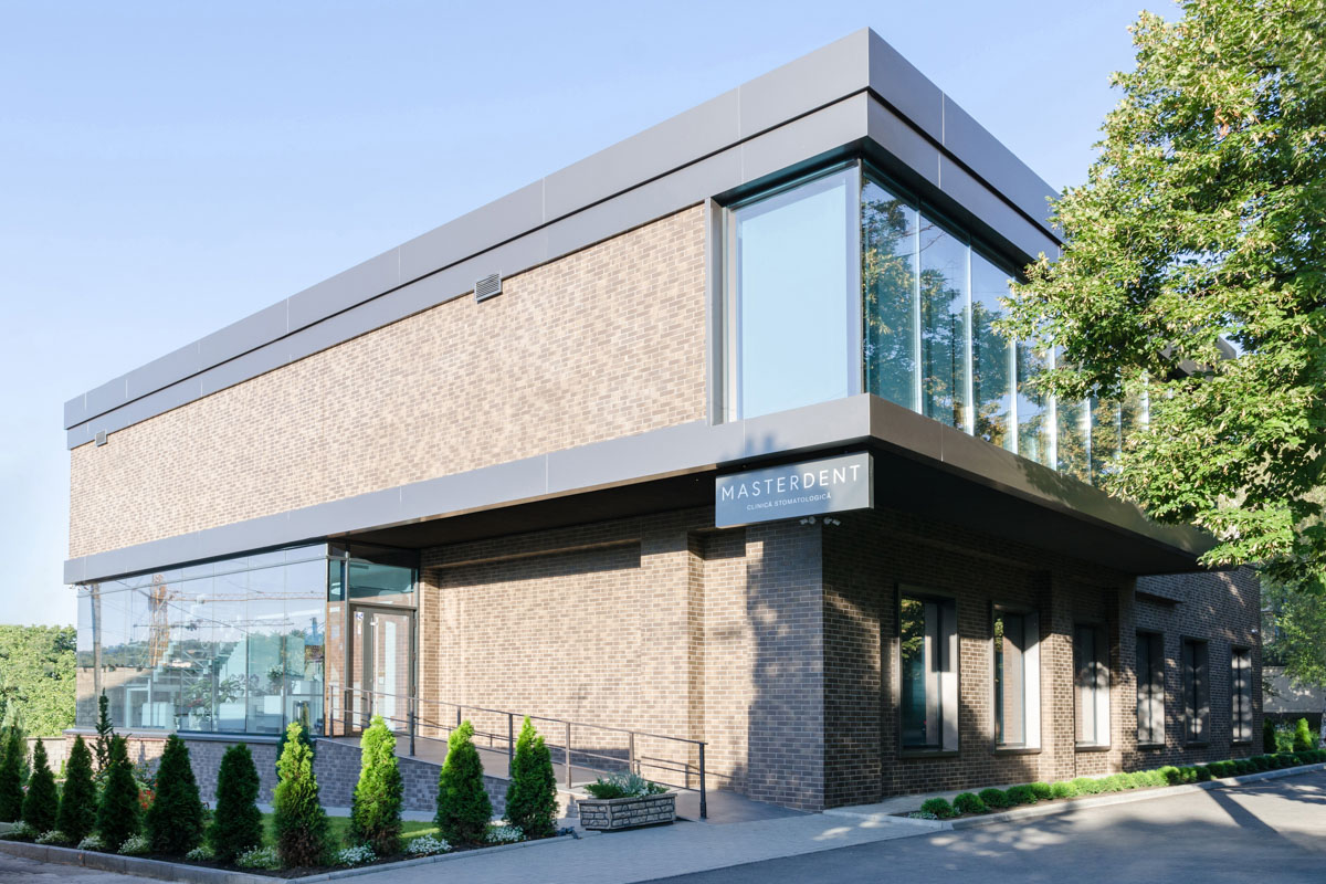 Cum să transformi o clădire avariată într-o clinică stomatologică modernă