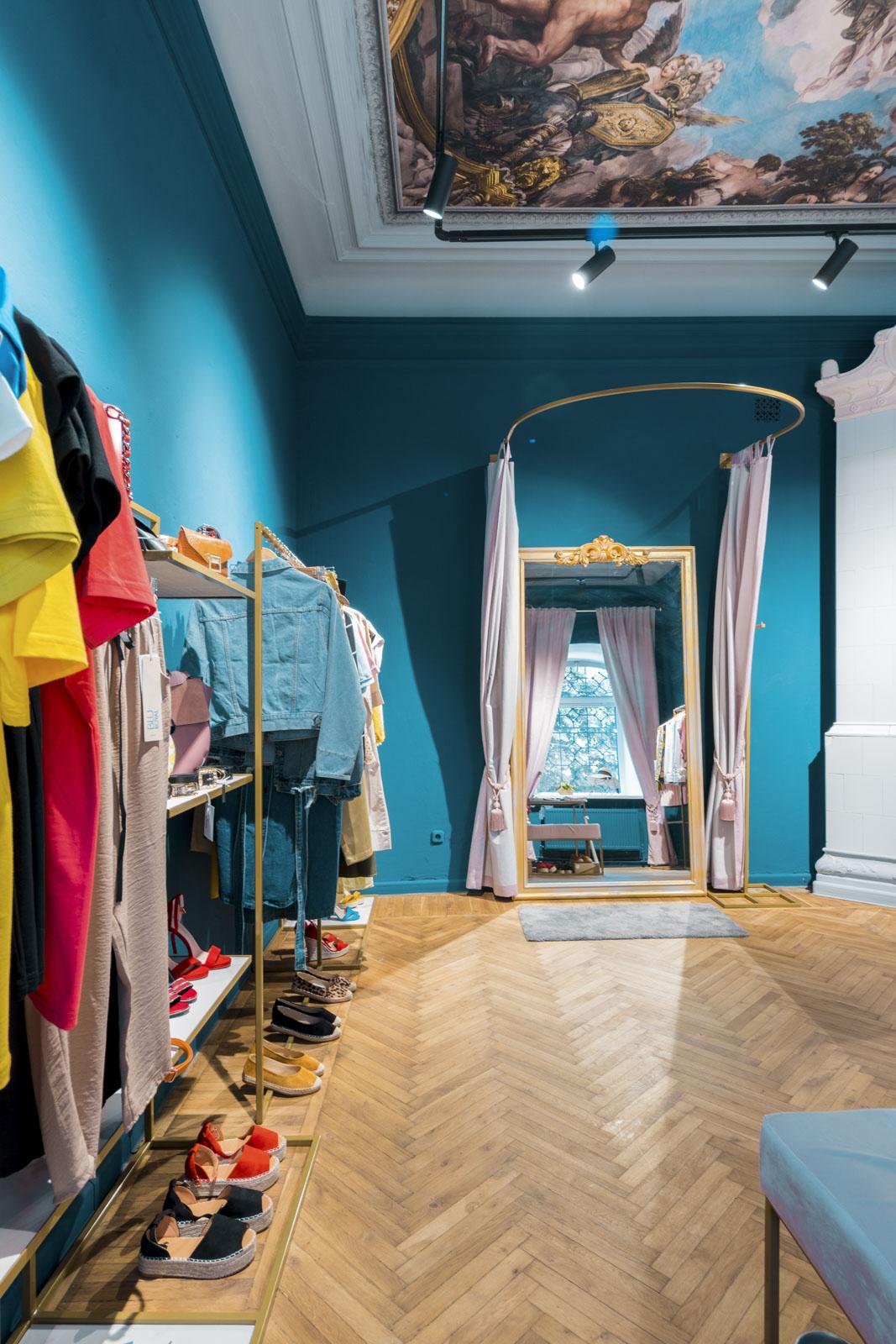 amenajare interioara magazin de haine Florence