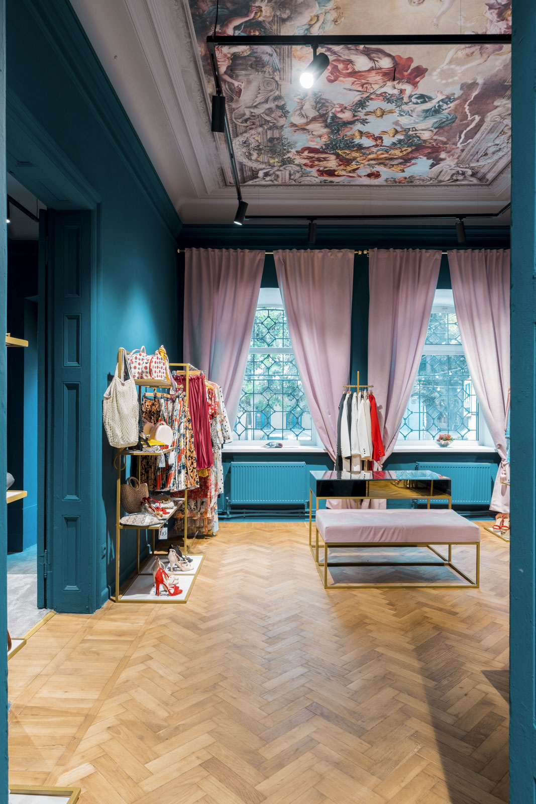 design interior magazin de haine Moldova Chisinau