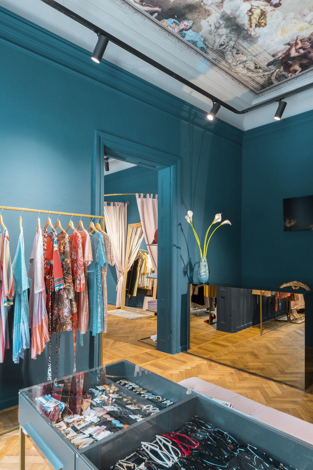 design interior magazin de haine pentru femei Moldova Chisinau