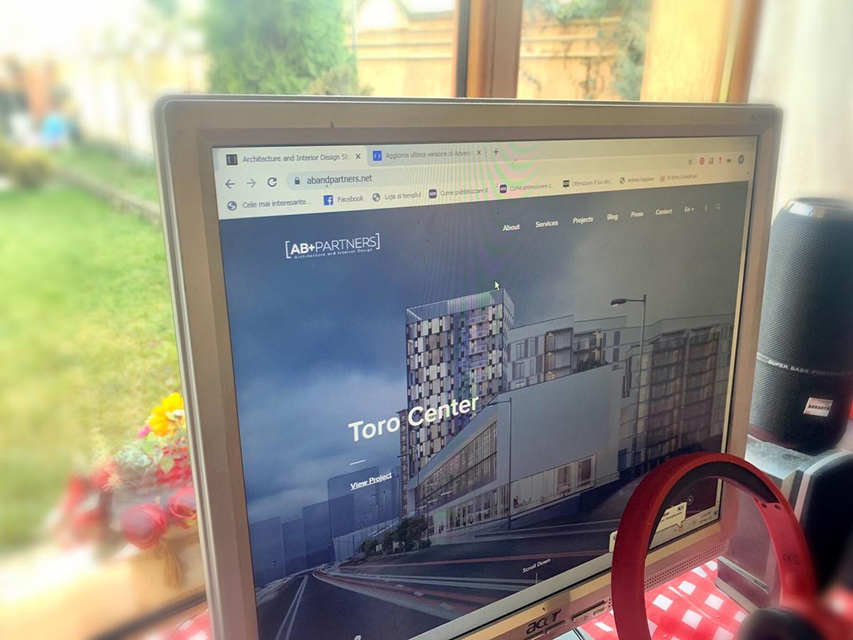 #jurnaldecarantină - Cum să îți organizezi locul de muncă acasă: de la amenajare la detalii organizatorice