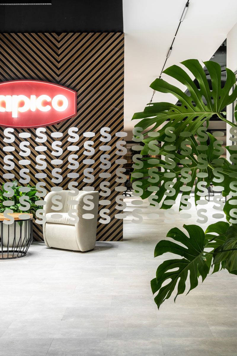Antreul oficiului Sapico in Chisinau, proiect ab+partners